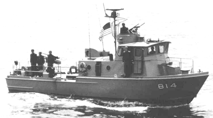 PCF 814 underway